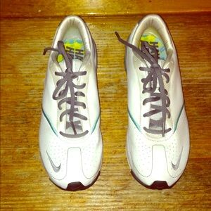 Nike shox sneaker women's 8